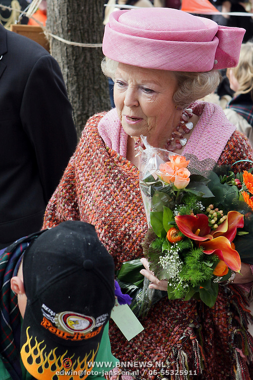 NLD/Makkum/20080430 - Koninginnedag 2008 Makkum, koninging Beatrix