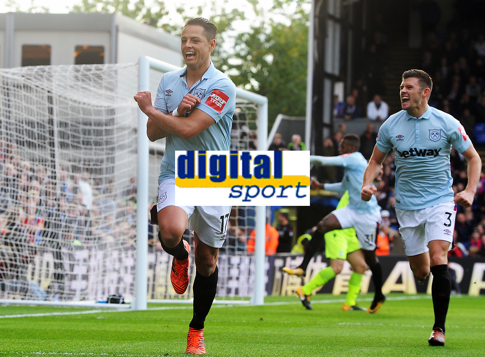 Football - 2017 / 2018 Premier League - Crystal Palace vs. West Ham United<br /> <br /> Javier (Chicharito) Hernandez of West Ham United celebrates scoring his first half goal with Aaron Cresswell, at Selhurst Park.<br /> <br /> COLORSPORT/ANDREW COWIE