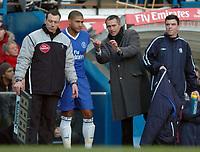 Fotball<br /> Premier League England 2004/2005<br /> Foto: SBI/Digitalsport<br /> NORWAY ONLY<br /> <br /> Chelsea v Aston Villa <br /> Barclays Premiership<br /> 26.12.2004<br /> <br /> Jose Mourinho explains tactics to Glen Johnson before he goes on.