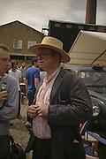 FERGUS HENDERSON, The Art Car Boot Fair, Truman Brewery, Brick Lane. London. 4 June 2006. ONE TIME USE ONLY - DO NOT ARCHIVE  © Copyright Photograph by Dafydd Jones 66 Stockwell Park Rd. London SW9 0DA Tel 020 7733 0108 www.dafjones.com