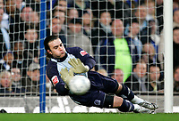 Photo: Tom Dulat.<br /> <br /> Chelsea v Queens Park Rangers. FA Cup Third Round. 05/01/2008. <br /> <br /> Queens Park Rangers's Lee Camp saves the ball.