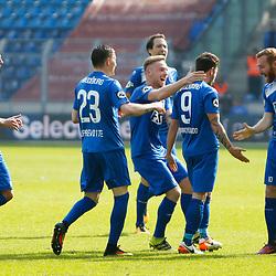 1. FC Magdeburg Jubel, Torjubel, Torerfolg, celebrate the goal, goal, celebration, Jubel ueber das Tor, optimistisch, Action, Aktion nach Tor zum 1:0 durch Manuel Farrona Pulido (FCM, 9) (m.) beim Spiel in der 3. Liga, 1. FC Magdeburg - FC Rot-Weiß Erfurt.<br /> <br /> Foto © PIX-Sportfotos *** Foto ist honorarpflichtig! *** Auf Anfrage in hoeherer Qualitaet/Aufloesung. Belegexemplar erbeten. Veroeffentlichung ausschliesslich fuer journalistisch-publizistische Zwecke. For editorial use only.