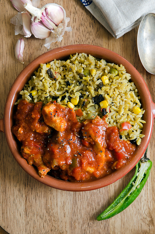 Spanish chicken with brown rice and chilli peppers