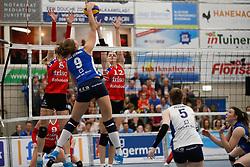 20170430 NED: Eredivisie, VC Sneek - Sliedrecht Sport: Sneek<br />Anniek Siebring (8) of VC Sneek, Monique Volkers (12) of VC Sneek <br />©2017-FotoHoogendoorn.nl / Pim Waslander