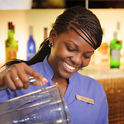 Bar man. Bar woman. HCTA Hotel de Convenções de Talatona, Bar Brent's