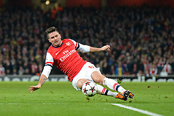 26.11.2013, The Emirates Stadium, London, ENG, UEFA CL, FC Arsenal vs Olympique Marseille, Gruppe F, im Bild Arsenal's Oliver Giroud slips as he takes, shot at goal // Arsenal's Oliver Giroud slips as he takes, shot at goal during UEFA Champions League group F match between FC Arsenal and Olympique Marseille at the The Emirates Stadium in London, Great Britain on 2013/11/26. EXPA Pictures © 2013, PhotoCredit: EXPA/ Mitchell Gunn<br /> <br /> *****ATTENTION - OUT of GBR*****