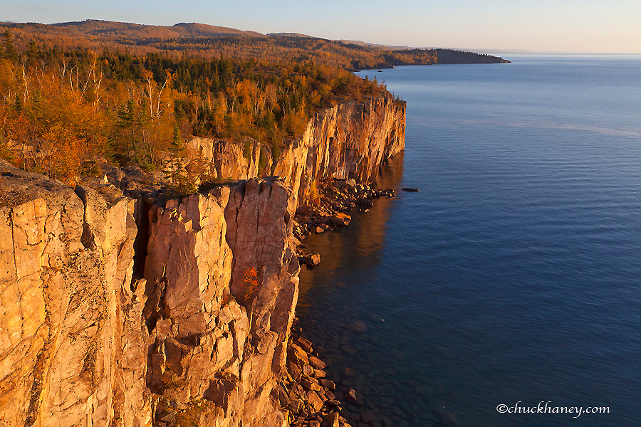 Palisade Head overlooking Lake Superior in Tettegouche State Park, Minnesota, USA