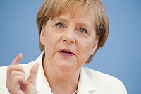 21 JUL 2010, BERLIN/GERMANY:<br /> Angela Merkel, CDU, Bundeskanzlerin, Pressekonferenz vor der Sommerpause, Bundespressekonferenz<br /> IMAGE: 20100721-02-045
