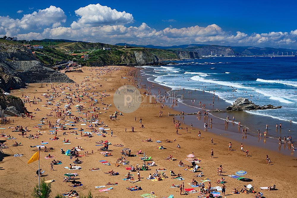 Playa de Sopelana. Vizcaya © Javier I. Sanchís / PILAR REVILLA