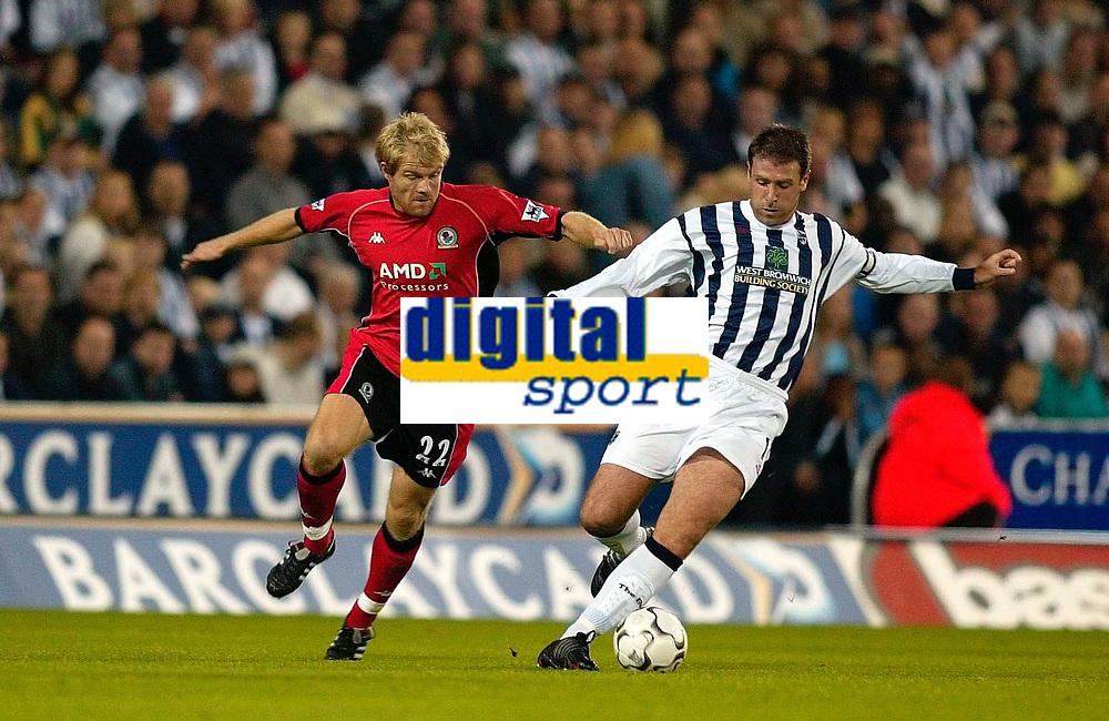 Fotball, 30. september 2002. Barclaycard Premiership . West Bromwich Albion v Blackburn.<br /> Egil Østenstad, Blackburn og Sean Gregan, West Bromwich. Foto: Digitalsport