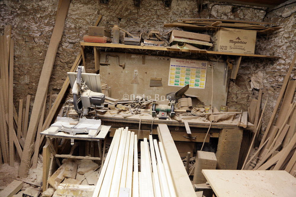 dusty wood workers studio