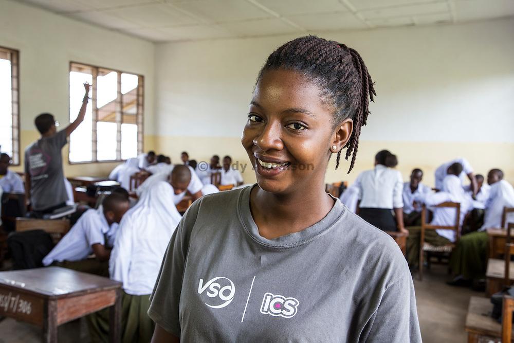ICS volunteer Francisca Mlingwa in the class room at Angaza school. Part of the VSO / ICS Elimu Fursa project (Opportunities in Education) Lindi, Lindi region. Tanzania.