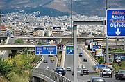 Griekenland, Athene, 5-7-2008Gezicht op de stad met verkeer en wegen.Foto: Flip Franssen