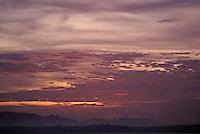 Amanecer sobre el rio Orinoco, Apure, Venezuela.
