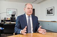 25 JUN 2018, BERLIN/GERMANY:<br /> Olaf Scholz, SPD, Bundesfinanzminister, waehrend einem Interview, in seinem Buero, Bundesministerium der Finanzen<br /> IMAGE: 20180625-02-020<br /> KEYWORDS: Büro