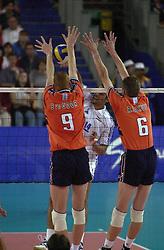 23-09-2000 AUS: Olympic Games Volleybal Nederland - Egypte, Sydney<br /> Nederland wint met 3-1 van Egypte / Bas van de Goor, Richard Schuil