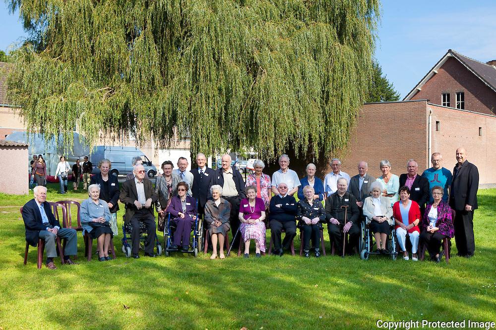 365068-familiefoto van familie van braeckel-parochiezaal blauberg