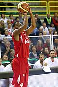 DESCRIZIONE : Varese Lega A 2013-14 Cimberio Varese vs Grissin Bon Reggio Emilia <br /> GIOCATORE : White <br /> CATEGORIA : Tiri<br /> SQUADRA : Reggio  Emilia<br /> EVENTO : Campionato Lega A 2013-2014<br /> GARA : Cimberio Varese Grissin Bon Reggio Emilia<br /> DATA : 13/10/2013<br /> SPORT : Pallacanestro <br /> AUTORE : Agenzia Ciamillo-Castoria/I.Mancini<br /> Galleria : Lega Basket A 2012-2013  <br /> Fotonotizia : Cimberio Varese  Lega A 2013-14 Cimberio Varese vs Grissin Bon Reggio Emilia<br /> Predefinita :
