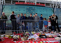 Photo: Jed Wee.<br />Tranmere Rovers v Swansea City. Coca Cola League 1.<br />26/11/2005. <br />Fans pay tribute to George Best at Old Trafford
