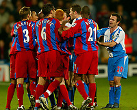 Fotball<br /> Premier League England 2004/2005<br /> Foto: BPI/Digitalsport<br /> NORWAY ONLY<br /> <br /> Crystal Palace v Blackburn Rovers<br /> 11/12/2004<br /> <br /> David Thompson (R) of Blackburn causes a fight between the two teams