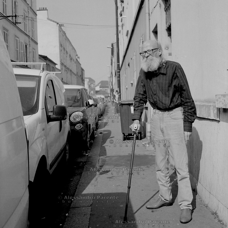 Aubervilliers,Seine Saint Denis. An old man without mask outside his apartment.