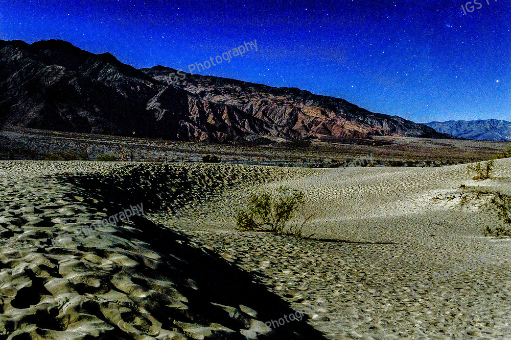 Death VAlley National Park,Mesquite Sand Dunes by the light of a full Moon