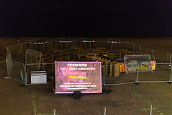 © Licensed to London News Pictures . 26/09/2017. Brighton, UK. Sign welcoming freshers to Brighton on the seafront , at the end of a night out in Brighton during Freshers week , when university students traditionally enjoy the bars and clubs during their first nights out in a new city . Photo credit: Joel Goodman/LNP