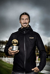 November 21, 2016 - Manchester, Great Britain - Zlatan Ibrahimovic is rewarded with the Golden Ball for 11th time, ten years in a row, (Credit Image: © Aftonbladet/IBL via ZUMA Wire)