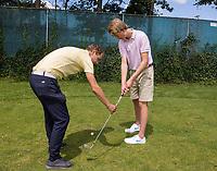 DEN HAAG -  -  - NGF GolfStart bij Golfclub Leeuwenbergh. olv PGA pro Pascal Lamberigts.       COPYRIGHT KOEN SUYK