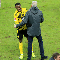 21.11.2020, OLympiastadion, Berlin, GER, DFL, 1.FBL, Hertha BSC VS. Borussia Dortmund, <br /> DFL  regulations prohibit any use of photographs as image sequences and/or quasi-video<br /> im Bild Youssoufs Moukoko (Borussia Dortmund #18), Cheftrainer Lucien Favre (Borussia Dortmund)<br /> <br />       <br /> Foto © nordphoto / Engler
