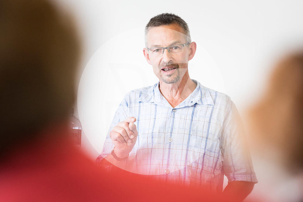 SCHWEIZ - NIEDERBIPP - Urs Brändli, Präsident Bio Suisse, spricht an einem Podium im Rahmen der Mitgliederversammlung der Schweizer Agrarjournalisten (SAJ) - 21. Juni 2019 © Raphael Hünerfauth - https://www.huenerfauth.ch