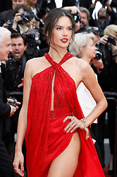 May 15, 2019 - Cannes, Alpes-Maritimes, Frankreich - Alessandra Ambrosio attending the 'Les Misérables' premiere during the 72nd Cannes Film Festival at the Palais des Festivals on May 15,2019 in Cannes, France (Credit Image: © Future-Image via ZUMA Press)
