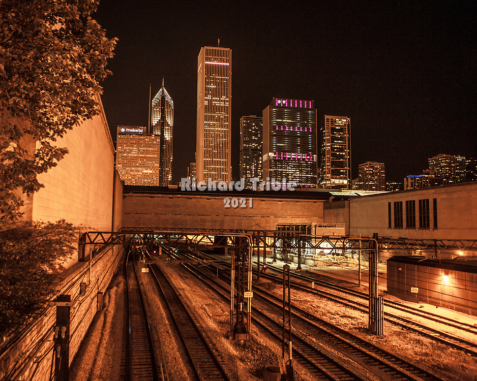 Train tracks in Chicago at night