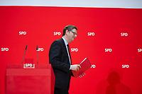 DEU, Deutschland, Germany, Berlin, 02.03.2015: Der stellvertretende SPD-Vorsitzende Thorsten Schäfer-Gümbel bei einer Pressekonferenz im Willy-Brandt-Haus.