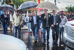 """O candidato a governador do Estado pela coligação """"O Rio Grande Merece Mais"""", Vieira da Cunha, durante caminhada em Alvorada. FOTO: Jefferson Bernardes/ Agência Preview"""