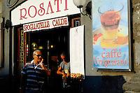 Italie, Campanie, Naples, centre historique Patrimoine Mondial de l'UNESCO, quartier populaire de Spaccanapoli// Italy, campania, Naples, historical centre, Spaccanapoli area