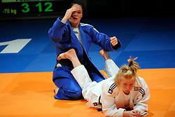14-11-2009 JUDO: NK JUDO DAMES: ROTTERDAM <br /> Linda Bolder(bl) en Kim Polling (-70 kg)<br /> ©2009-WWW.FOTOHOOGENDOORN.NL