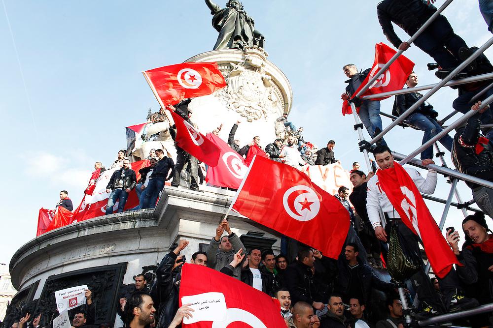 Paris, France. 15 Janvier 2011.<br /> Manifestations de soutien a la Tunisie apres le depart du president Ben Ali.<br /> <br /> Paris, France. January 15th 2011<br /> Around 7000 Tunisians and sympathizers marched through Paris after the departure of the president Ben Ali.