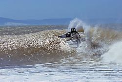 Super Tubes Surfing