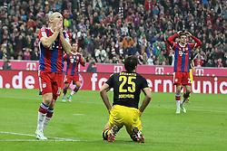01-11-2014 GER: FC Bayern Munchen vs Borussia Dortmund, Munchen<br /> Arjen Robben #10 (FC Bayern Muenchen) aergert sich ueber die vergebene Chance, Thomas Mueller #25 (FC Bayern Muenchen), Sokratis #25 (Borussia Dortmund)<br /> *****NETHERLANDS ONLY*****