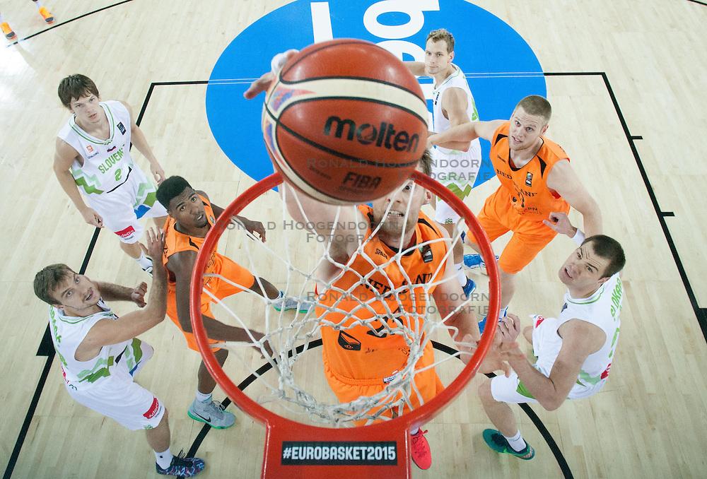 08-09-2015 CRO: FIBA Europe Eurobasket 2015 Slovenie - Nederland, Zagreb<br /> De Nederlandse basketballers hebben de kans om doorgang naar de knockoutfase op het EK basketbal te bereiken laten liggen. In een spannende wedstrijd werd nipt verloren van Slovenië: 81-74 / Henk Norel of Netherlands. Photo by Vid Ponikvar / RHF