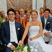NLD/Huizen/20100703 - Eerste huwelijk gesloten in achtertuin fam. Schaap-Schimmel te Huizen