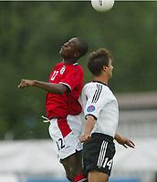 Football,  22. july 2002, Oslo. European under 19 Championship.  Germany v England. Tyskland - England 3-3 EM U19. Carlton Cole, England og Chelsea, og Malik Deniz Fathi, Tyskland og Herta Berlin.