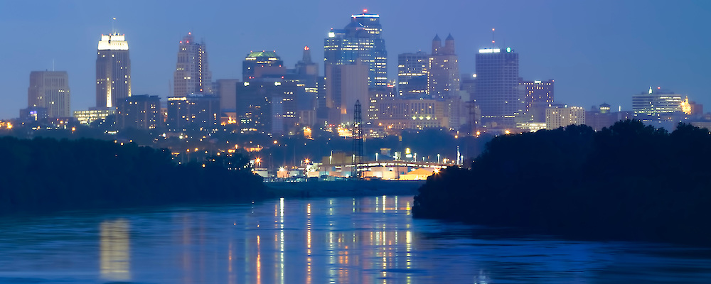 Panorama photo of downtown Kansas City, Missouri skyline, taken from Chouteau Bridge.