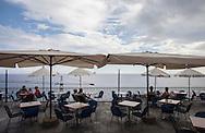 Liguria, Cervo, Terrazza sul mare.   Liguria, Cervo, Terrace overlooking the sea.