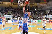DESCRIZIONE : Varese, Lega A 2015-16 Openjobmetis Varese Dinamo Banco di Sardegna Sassari<br /> GIOCATORE : Joe Alexander<br /> CATEGORIA : Schiacciata sequenza<br /> SQUADRA : Dinamo Banco di Sardegna Sassari<br /> EVENTO : Campionato Lega A 2015-2016<br /> GARA : Openjobmetis Varese vs Dinamo Banco di Sardegna Sassari<br /> DATA : 26/10/2015<br /> SPORT : Pallacanestro <br /> AUTORE : Agenzia Ciamillo-Castoria/I.Mancini<br /> Galleria : Lega Basket A 2015-2016 <br /> Fotonotizia : Varese  Lega A 2015-16 Openjobmetis Varese Dinamo Banco di Sardegna Sassari<br /> Predefinita :