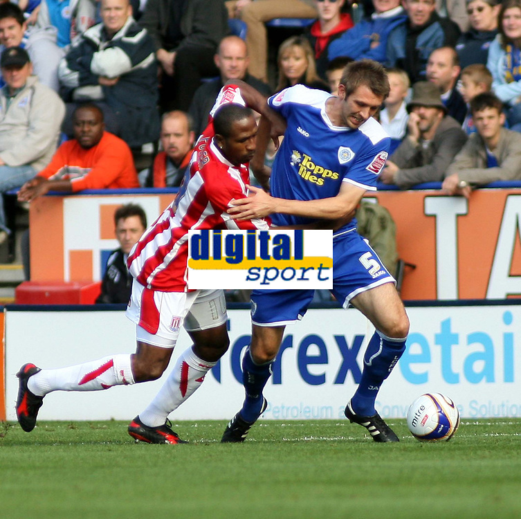 Photo: Mark Stephenson.<br /> Leicester City v Stoke City. Coca Cola Championship. 29/09/2007.Leicester's Gareth McAuley gets the better of Stoke's Dominic Matteo