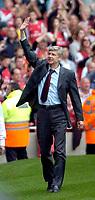 Photo: Ed Godden/Sportsbeat Images.<br /> Arsenal v Chelsea. The Barclays Premiership. 06/05/2007.<br /> Arsenal Manager Arsene Wenger.