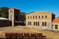 Italie. Sardaigne. Region des mines de Arbus. Ancienne mine. //  Italy. sardinia. Mine area near Arbus. Old mine.