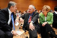 """17 JAN 2008, BERLIN/GERMANY:<br /> Klaus Wowereit, SPD, Reg. Buergermeister Berlin, Manfred Stolpe, SPD, Bundesminister a.D., und Christine Bergmann, SPD, Bundesministerin a.D., im Gespraech, Veranstaltung des Forum OstDeutschland unter dem Motto """"Ostdeutsche Potentiale werden sichtbar"""", Willy-Brandt-Haus<br /> IMAGE: 20080117-01-012<br /> KEYWORDS: Gespräch"""